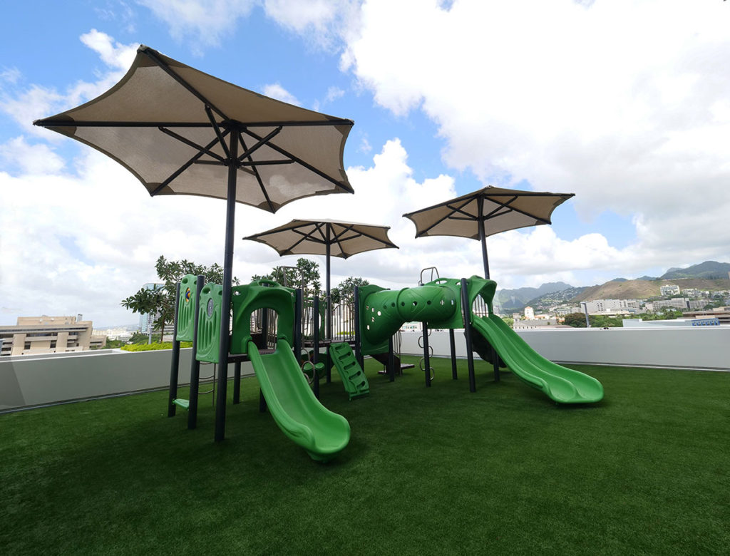 Keauhou-Place-Recreation-Deck-Playground-IPR-Hawaii